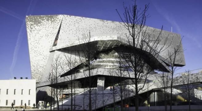 Filarmonica di parigi inaugurazione zoppa a lavori ancora for Architettura a parigi