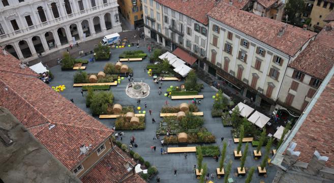 Veduta dall'alto di Piazza vecchia (© foto Leonardo Tagliabue)