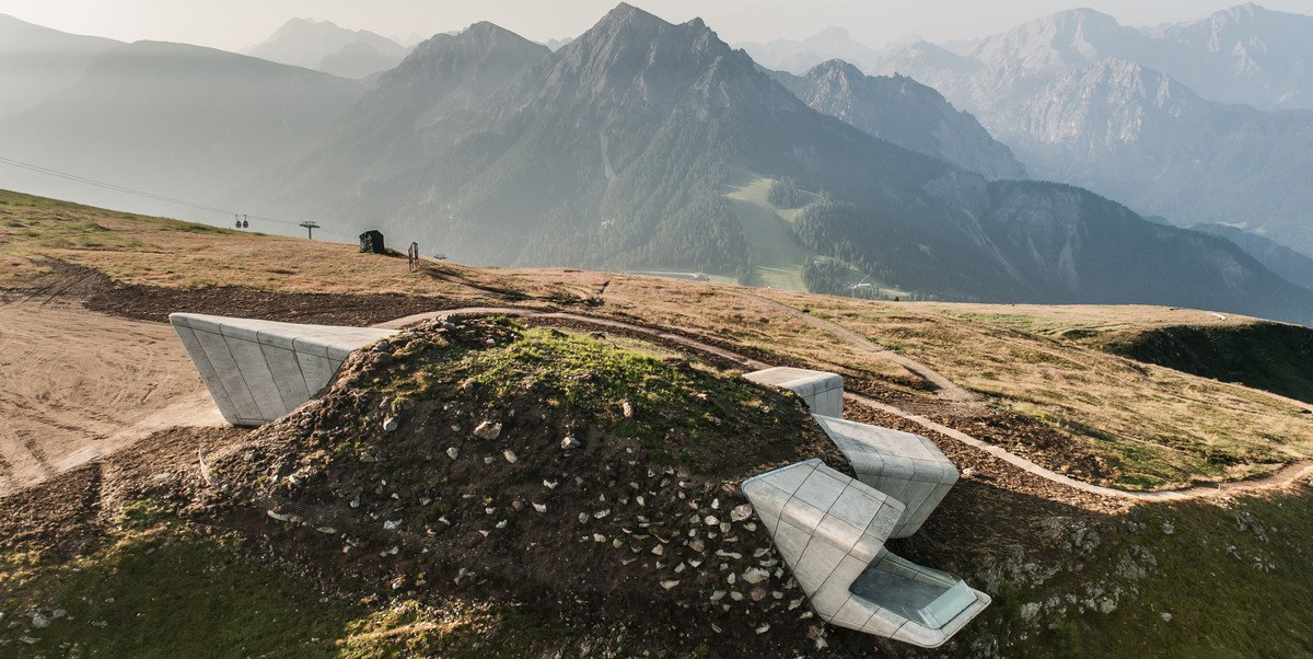 Hadid Vs Messner: Flop On The Top