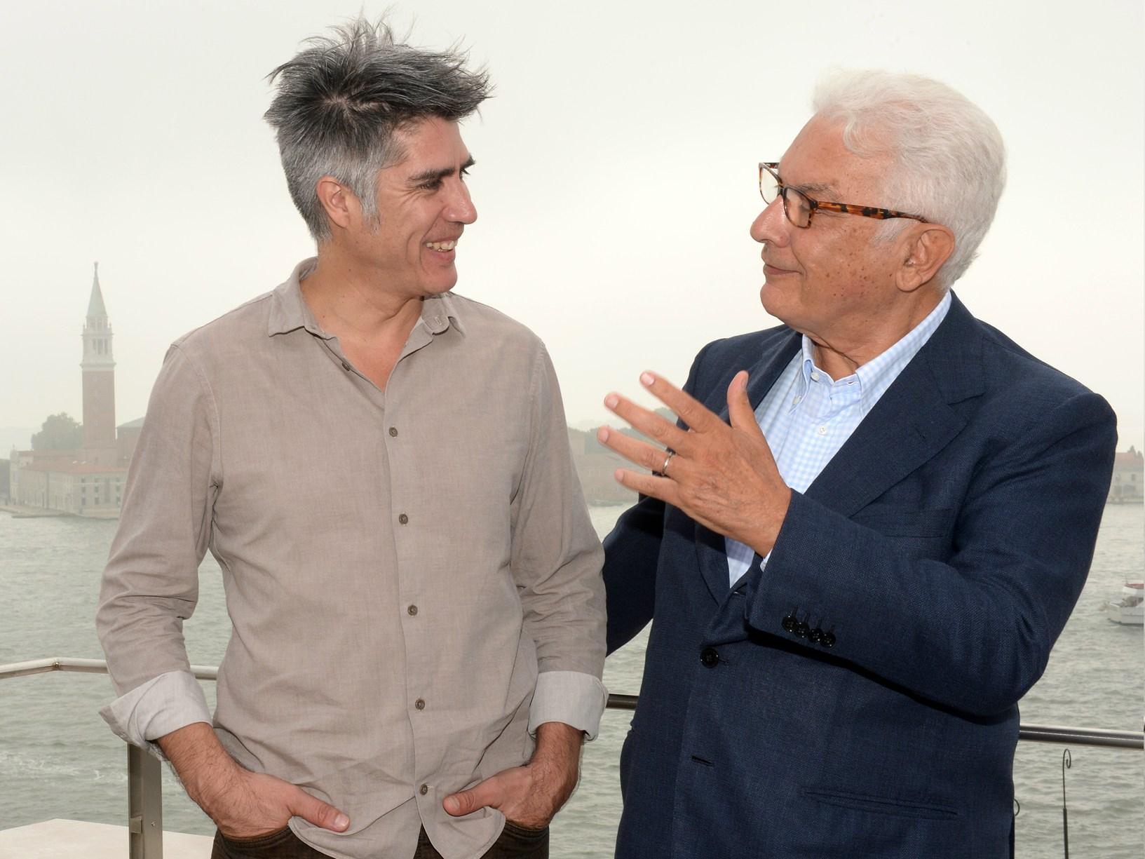 Alejandro Aravena e Paolo Baratta (foto di Giorgio Zucchiatti, courtesy La Biennale di Venezia)