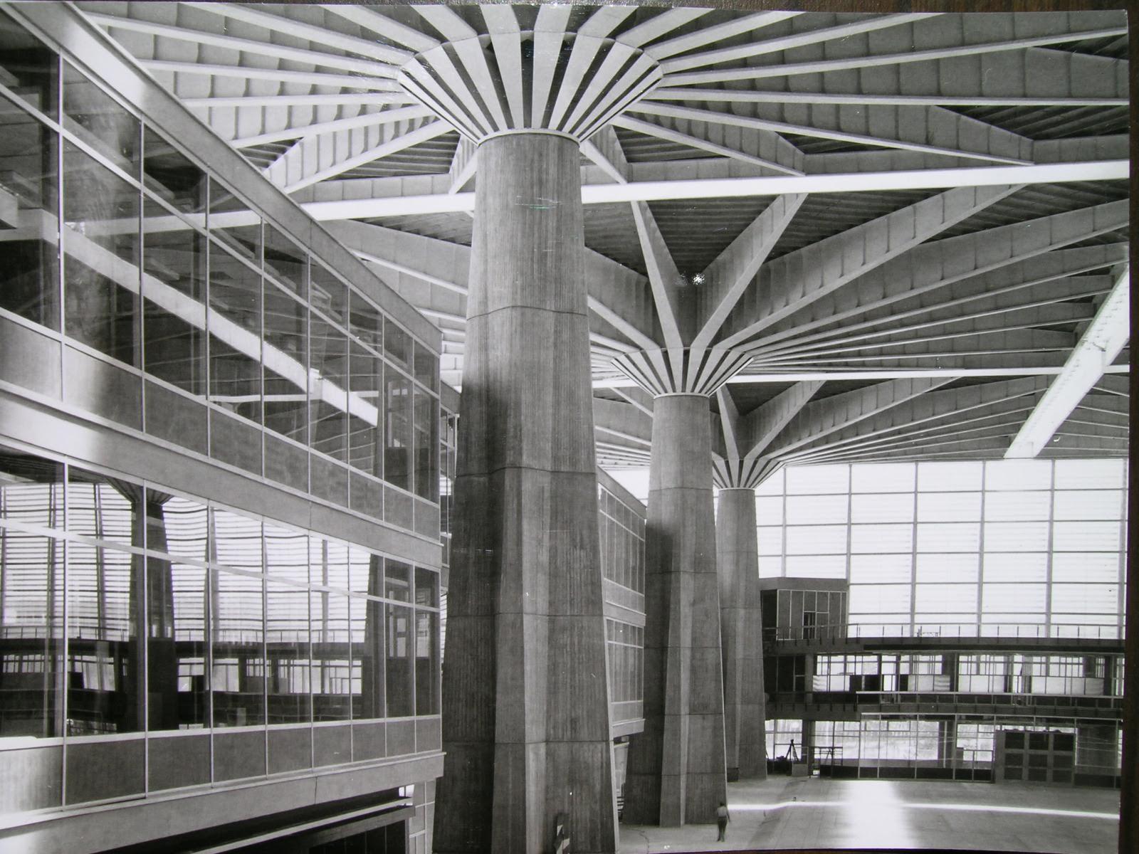 Lavoro Per Architetti Torino cronistoria di una vita grama: il palazzo del lavoro dal