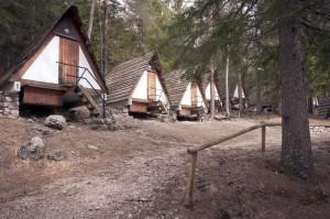 Le capanne del campeggio (foto © Giacomo De Donà)