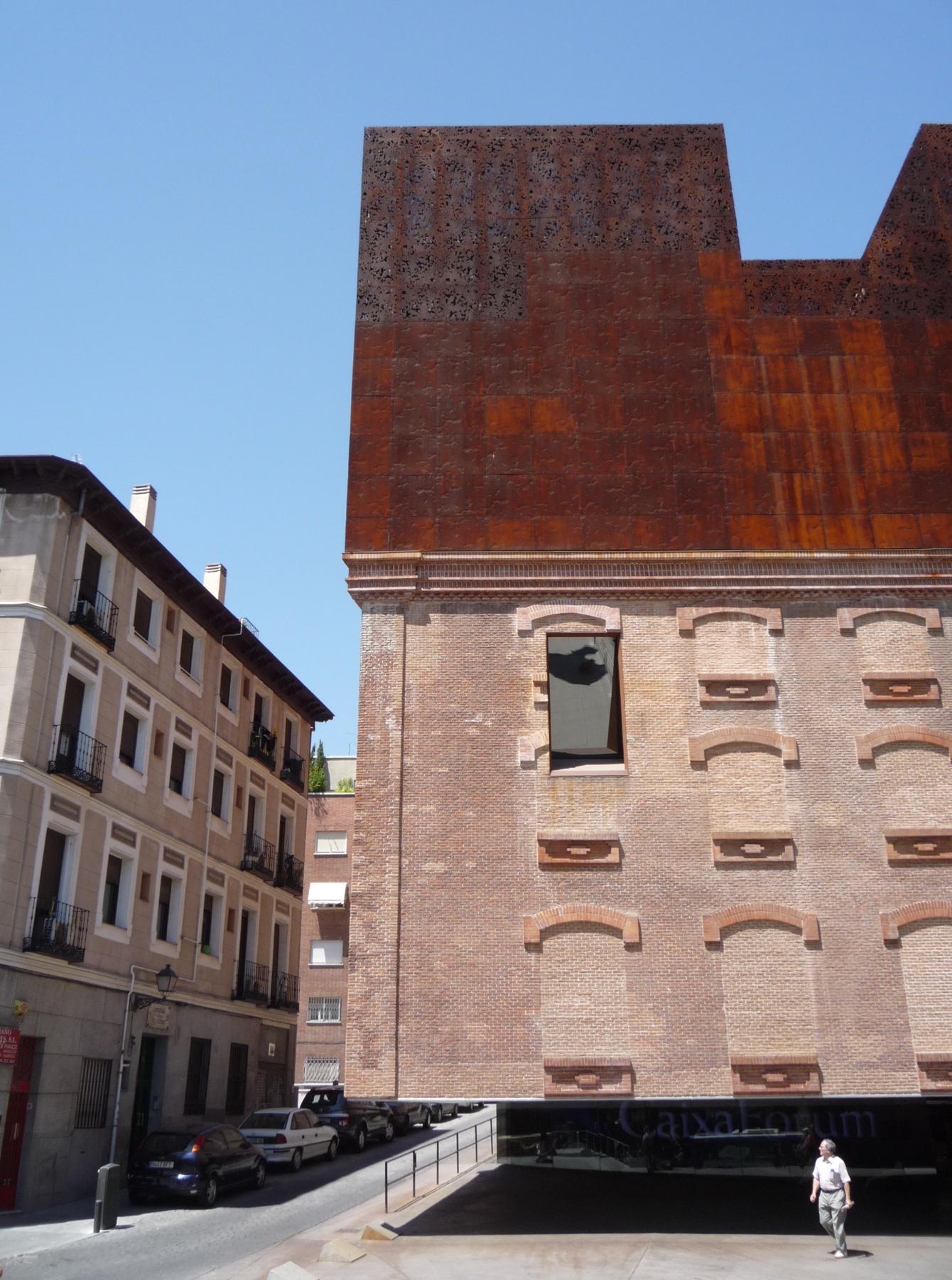 L architetto errante madrid giornale dell 39 architettura for Herzog de meuron madrid