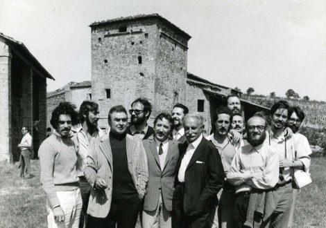 un gruppo di ricercatori tra i quali leone Pancaldi, Sergio Venturi e al centro Andrea Emiliani e Paolo Monti. Santerno 1971 foto di Franco Fontana