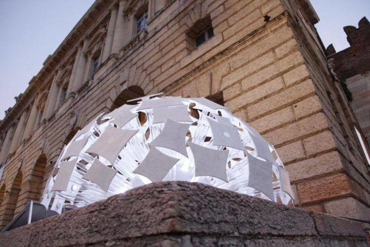 Sospensione 2.0, Designed by Tiziano Gozzani per Studio Corsanini, ASSOCIAZIONE NAZIONALE LE DONNE DEL MARMO (Piazza Bra, Gran Guardia)