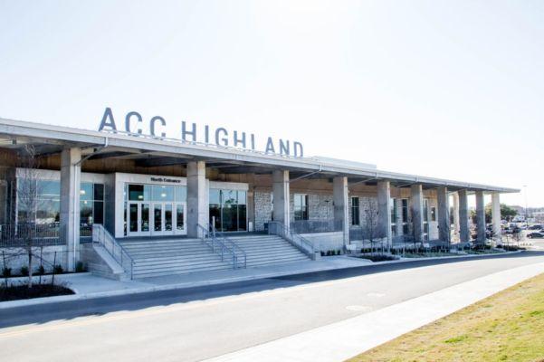 Centro commerciale  Highland Mall ad Austin (Texas) trasformato in college e campus