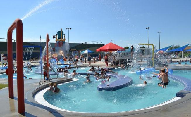 Big box store Walmar a Spearfish (Sud Dakota) trasformato in centro sportivo e parco acquatico