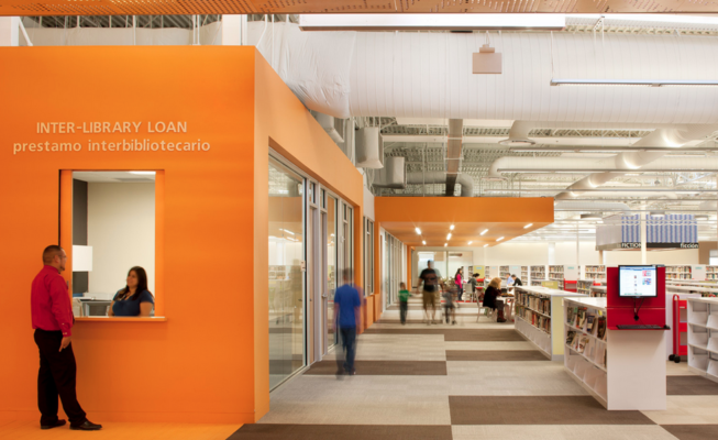 Big box store Walmart a McAllen (Texas) trasformato in biblioteca