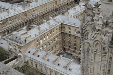 Hotel Dieu a Parigi - vista da Notre Dame (© Elena Franco)