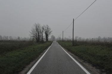 Lungo i terreni di proprietà della Ca' Granda a Milano (© Elena Franco)