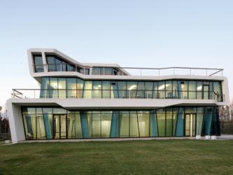 Lemon Factory: uffici direzionali Simone Gatto a San Pier Niceto (Messina, 2011; progetto partecipante all'edizione 2010 del Premio Mies van der Rohe)