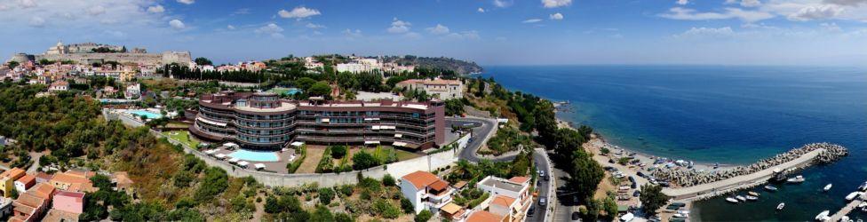Restyling del complesso alberghiero Eolian Milazzo: nuovo centro congressi, albergo/ristorante e residence con aree sportive di pertinenza (Messina, 2012)