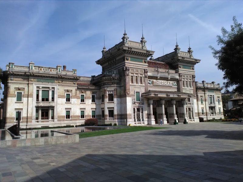 Prospetto principale del Palazzo delle Terme Berzieri di Salsomaggiore