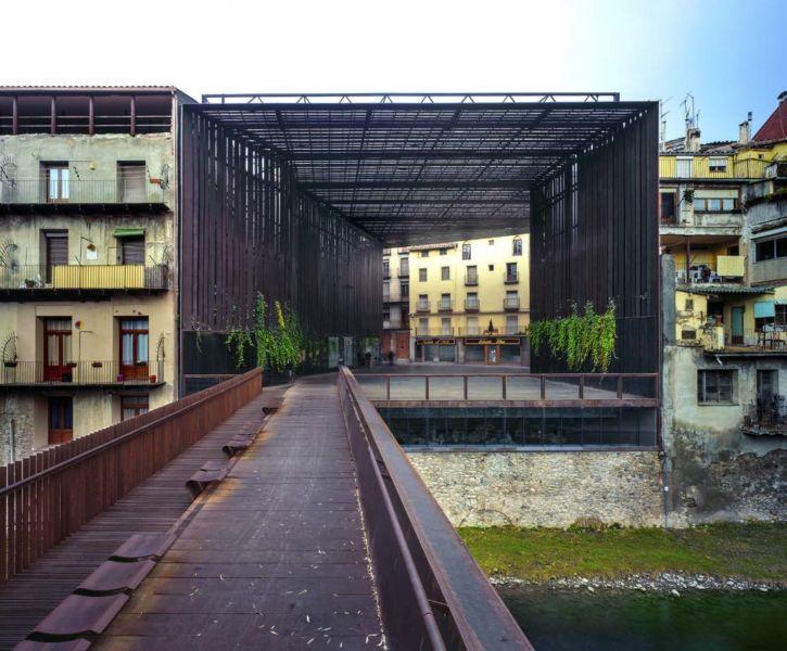 La Lira a Ripoll, 2011 (© Hisao Suzuki)
