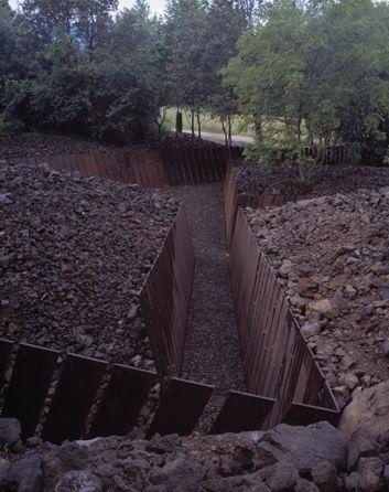 Parco della Pedra Tosca a Les Preses, 2004 (© Hisao Suzuki)