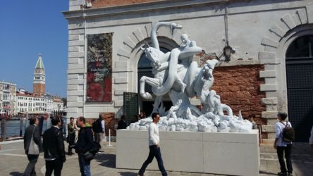 Punta della Dogana, The Fate of a Banished Man (Standing), marmo di Carrara.