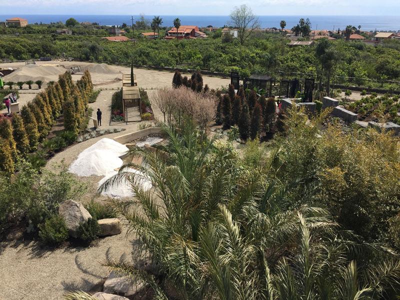 Una vista panoramica che inquadra diversi giardini ©Marco Scarpinato