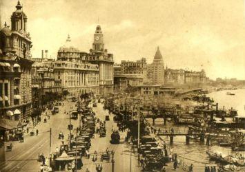 Il Bund negli anni 30 (photo courtesy of Fairmont Hotels & Resorts)