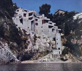 Villa bifamiliare sulla costiera amalfitana a Cetara (1973)