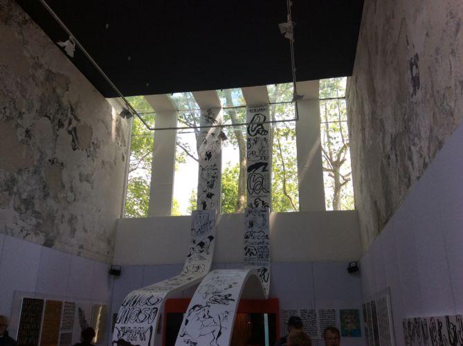 Venezuela. Juan Calzadilla, Formas escapándose del marco