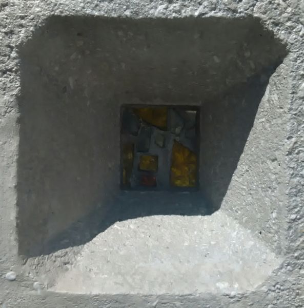 Dettaglio cella con paste vitree (© Francesca Petretto)