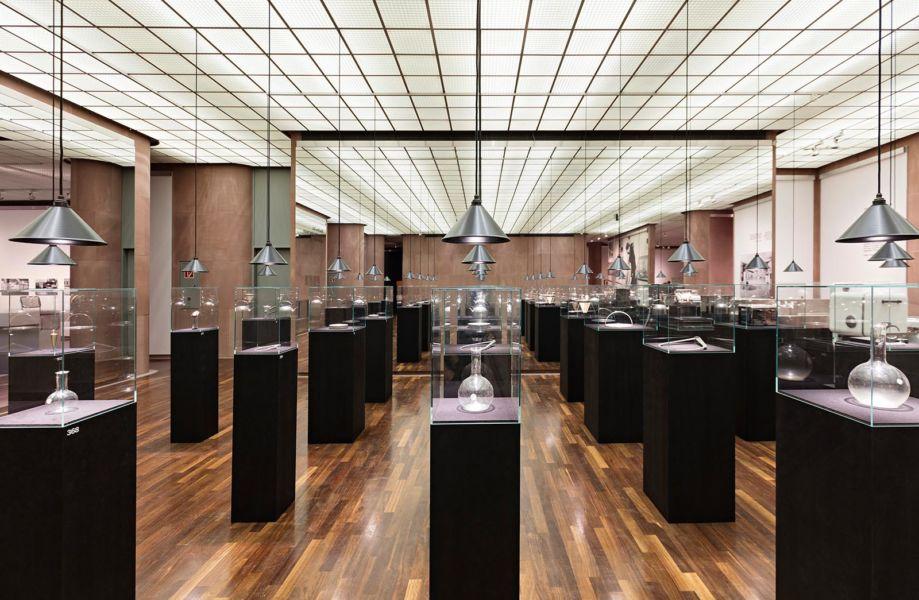 """Ausstellung """"Partners in Design: Alfred J. Barr Jr. und Philip Johnson. Bauhaus-Pioniere in Amerika"""" in der Kunsthalle Bielefeld, vom 25.03. bis (© Philip-Ottendoerfer)"""