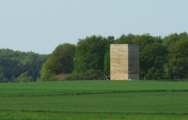 """Bruder Klaus Field Chapel"" (Wachendorf – Germania, 2007), arch. Peter Zumthor (©Francesco Zambon)"