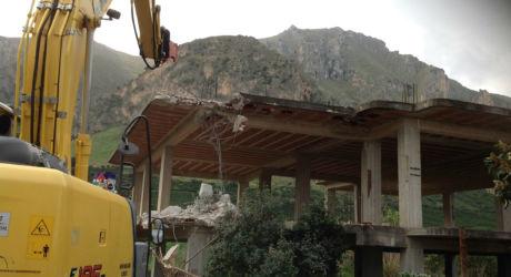 Ruspe in azione nel parco agricolo di Ciaculli a Palermo