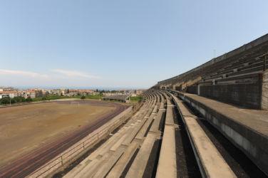 L'incompiuto campo da polo da 6.000 posti a Giarre (Catania; © AutonomeForme)