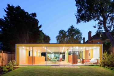 Wimbledon House: fronte posteriore sul giardino (© Iwan Baan. Courtesy of the Harvard Graduate School of Design)