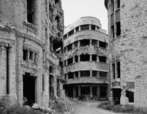 Le distruzioni belliche a Beirut in una foto di Gabriele Basilico