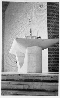 Rudolf Schwarz, Altare della Chiesa di Maria Regina, Frechen, 1954 (©Rudolf Schwarz, Kirchenbau, Heidelberg, 1960)