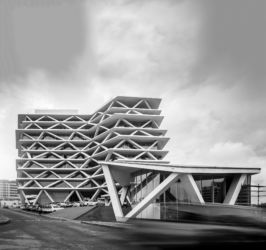 MCArchitects, One Airport Square a Accra (foto di Fernando Guerra)
