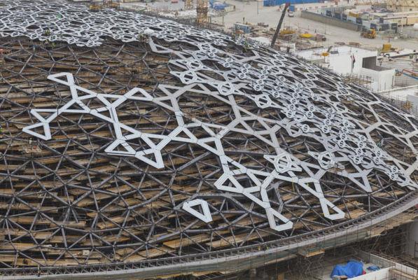 Dettaglio della cupola del Louvre Abu Dhabi progettata da Jean Nouvel